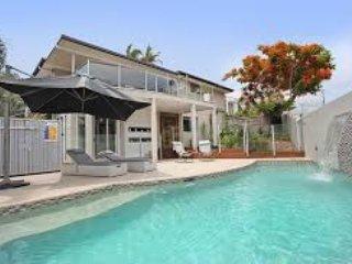 Large family home 400 mts to beach - Alexandra Headland vacation rentals