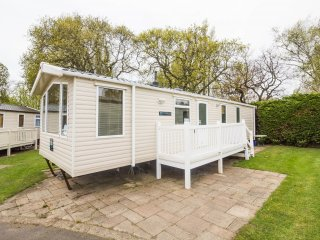 Ref 80012 Conifer Court  Beautiful caravan at Haven Hopton in Norfolk. - Hopton on Sea vacation rentals