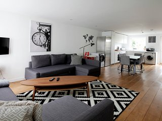 Modern Open Plan Family Living in the Heart Of Central Oxford Jericho 4 ... - Oxford vacation rentals
