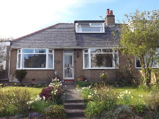 The Moorings -  Spacious Holiday Cottage beside the Sea and Bay - Low Newton by the Sea vacation rentals