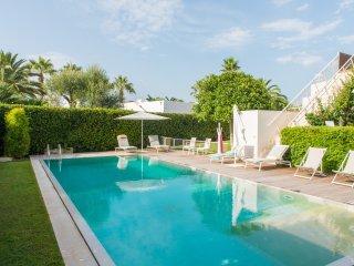 Villa Le Tre Corti: Villa with Private Pool - Rosa Marina vacation rentals