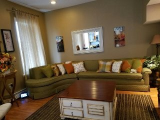 Home away from home -  minutes from NYC attractions. - Union City vacation rentals