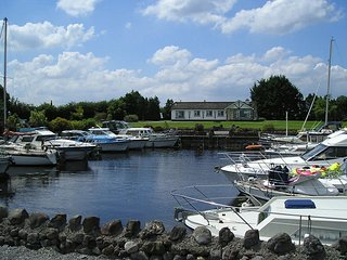 Glasson, Lough Ree, County Westmeath - 3464 - Newtown Cashel vacation rentals