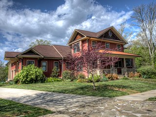 Gorgeous 5 bedroom House in Mills River - Mills River vacation rentals