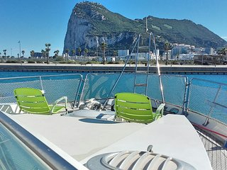 Nice Boathouse with Internet Access and A/C - La Linea vacation rentals