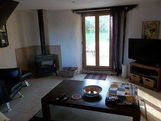1 bedroom Condo with Internet Access in Escanecrabe - Escanecrabe vacation rentals