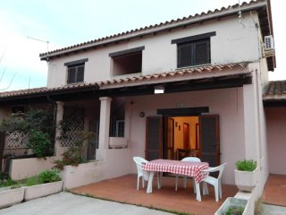 Beautiful Condo with Television and Satellite Or Cable TV - San Teodoro vacation rentals