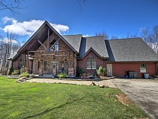NEW! Luxurious 6BR Somerset Home w/ Acreage! - Somerset vacation rentals