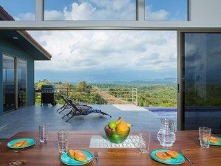 Mountain Top 3BR Casa Colibrí with Sea Breeze - Manuel Antonio vacation rentals