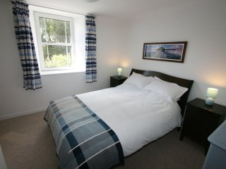 Comfortable Cottage with Internet Access and Television - Saint Breward vacation rentals