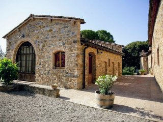 Comfortable Condo with Internet Access and Central Heating - Poggibonsi vacation rentals