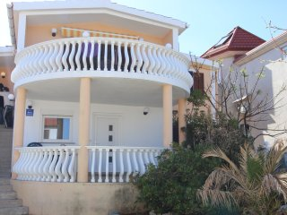 Beautiful Apartment with A/C and Wireless Internet - Vir vacation rentals