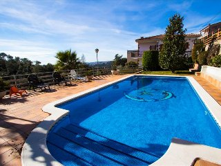 Villa Ametlla in the Barcelona countryside, only 35km to the city and beach! - Bigues i Riells vacation rentals