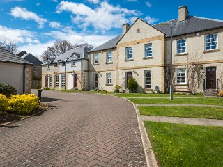 Abbeyside Melrose (Lowland Lettings CO UK) - Melrose vacation rentals