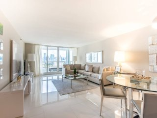 Sophisticated 3Bed Miami Condo|Free Parking - Coconut Grove vacation rentals