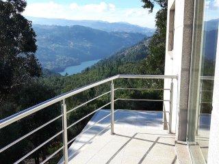 Casa Douro Terrace - River Views 60' from Porto - Santa Cruz do Douro vacation rentals