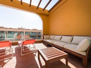 Top beach apt/terrace/Pool/wifi 50 mt to beach - El Cotillo vacation rentals