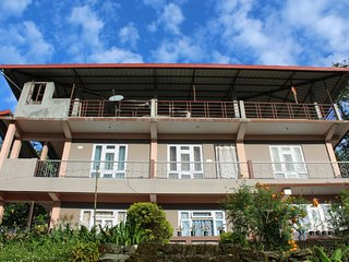 Cozy Bed and Breakfast with Housekeeping Included and Balcony - Pedong vacation rentals