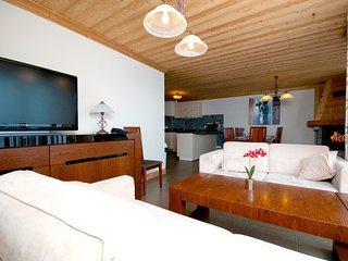 Lovely 5 bedroom Val Thorens Apartment with Internet Access - Val Thorens vacation rentals