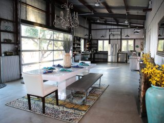 Vacation rentals in Dripping Springs