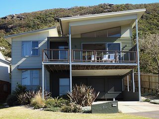 Killcare Beach Abode Opposite Killcare Beach - Killcare vacation rentals