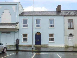 LUCIDA HOUSE, mid-terrace, over four floors, multi-fuel stoves, shop and pub 2 - Kilrush vacation rentals