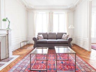 Luxurious Parisian 3bd apt in the 16th - Paris vacation rentals