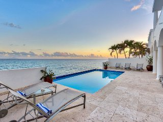 ETOILE DE MER...A Beautiful and Elegant gated community sitting on Cupecoy Beach - Cupecoy vacation rentals
