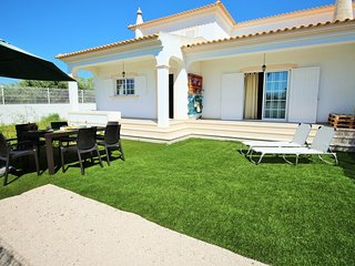 Nice House with Patio and Washing Machine - Ferreiras vacation rentals