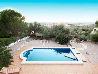 4 bedroom Villa in Palau Savardera, Costa Brava, Spain : ref 2379875 - Palau-Saverdera vacation rentals