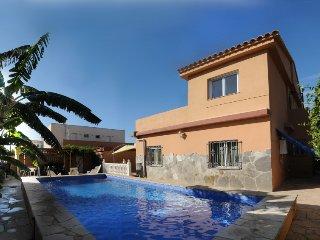 5 bedroom Villa in Vinaros, Costa del Azahar, Spain : ref 2379917 - Vinaros vacation rentals