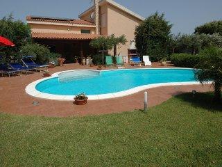 4 bedroom Villa in Trapani, Sicily, Italy : ref 2380030 - Chiesanuova vacation rentals