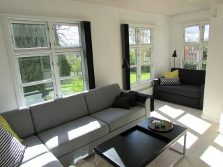 Deluxe Apartment with Garden View - Provstegården Bed & Breakfast - Hovedgaard vacation rentals