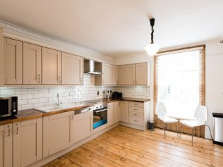 Beautiful listed building 6BR family home in Cambridge - Cambridge vacation rentals
