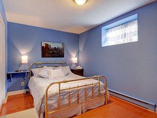 Standard Room, Shared Bathroom (Heron Bleu) - Château-Richer vacation rentals