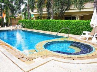 3 Bedroom Ocean View Apartment Jacuzzi Pratumnak - Pattaya vacation rentals