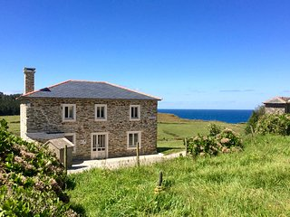 Prairie Sur la Mer...Country living on the sea...walk to deserted beaches! - Ortigueira vacation rentals