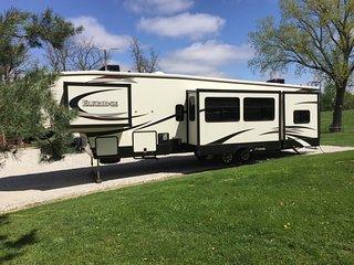 College World Series Fifth Wheel Camper at Wilson Island!! - Missouri Valley vacation rentals
