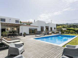 4 bedroom House with Internet Access in Galamares - Galamares vacation rentals