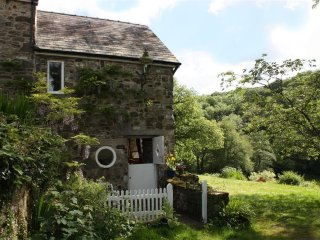 2 bedroom Cottage with Television in Lampeter Velfrey - Lampeter Velfrey vacation rentals