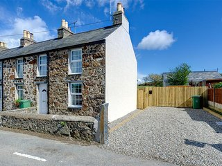 Lovely 2 bedroom Cottage in Llanengan with Internet Access - Llanengan vacation rentals