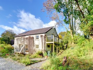 Beautiful Cottage with Internet Access and Washing Machine - Caio vacation rentals