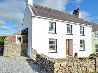 Charming Cottage with Washing Machine and Television - Llangwm vacation rentals