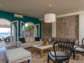 4 bedroom Villa in Peljesac-Orebic, Peljesac Peninsula, Croatia : ref 2380919 - Orebic vacation rentals