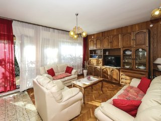 4 bedroom Villa in Ciovo-Okrug Donji, Island Of Ciovo, Croatia : ref 2381796 - Okrug Donji vacation rentals