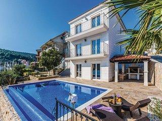 5 bedroom Villa in Trogir-Marina, Trogir, Croatia : ref 2381902 - Marina vacation rentals