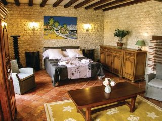 4 bedroom Villa in Gardonne, Dordogne, France : ref 2381981 - Gardonne vacation rentals