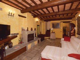 3 bedroom Villa in Castiglione di Garfagnana, Lucca And Surroundings, Italy - Castiglione Di Garfagnana vacation rentals