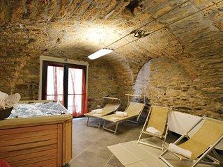 6 bedroom Villa in Dolcedo, Riviera Di Ponente, Italy : ref 2382324 - Lecchiore vacation rentals