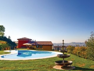 6 bedroom Villa in Valpolicella, Lake Garda, Italy : ref 2382668 - Negrar vacation rentals